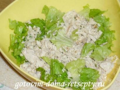 салат цезарь с курицей и сухариками 6