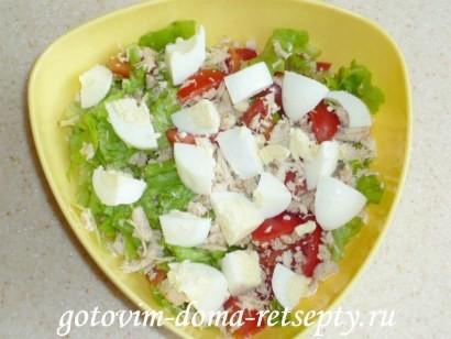 салат цезарь с курицей и сухариками 8