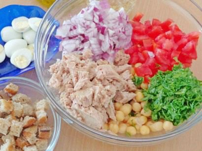 салат с тунцом и помидорами 2