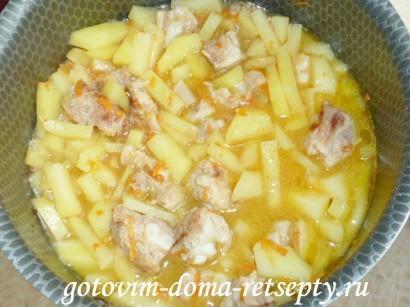 тушеная картошка с мясом и капустой 1