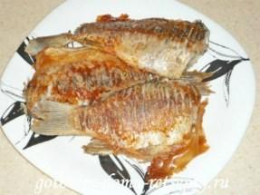 Караси жареные (рецепт на сковороде) без сметаны