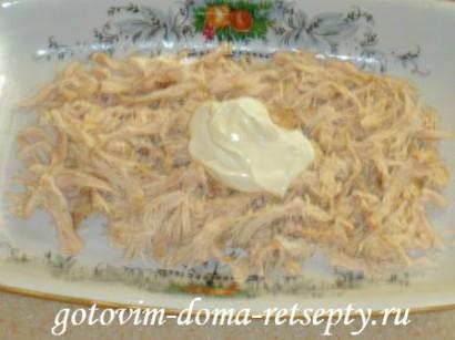 салат из курицы с грибами и сыром 8