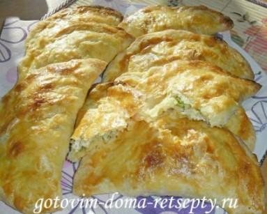 слоеные пирожки с рисом и сыром