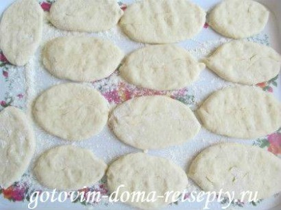 дрожжевые пирожки с картошкой и шкварками 20