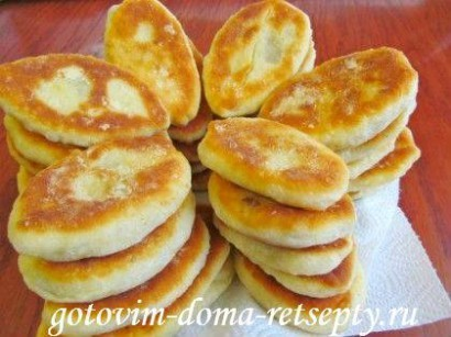дрожжевые пирожки с картошкой и шкварками 24