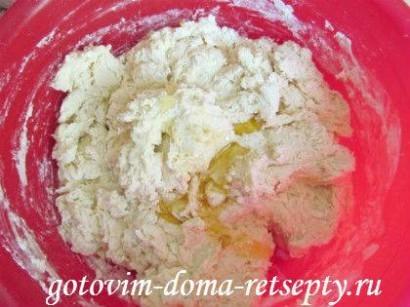 дрожжевые пирожки с картошкой и шкварками 9