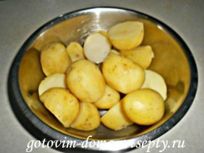 молодая картошка с грибами шампиньонами и чесноком 2