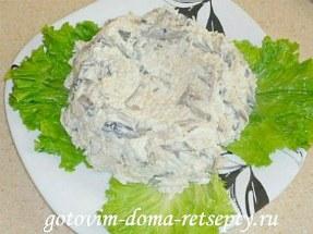 салат с курицей, сыром и грибами 12