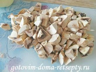 мясо в горшочках с грибами, картошкой и овощами 4