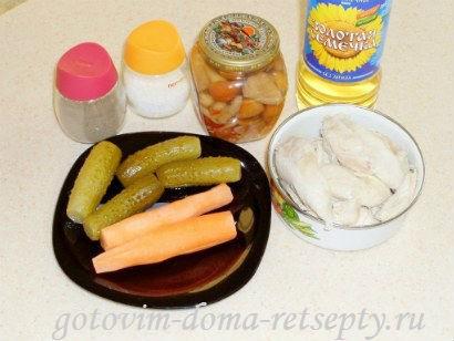 салат с курицей грибами и огурцами 1