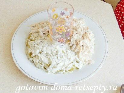 салат с курицей грибами и огурцами 10