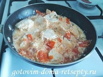 курица тушеная с помидорами в сметане 10