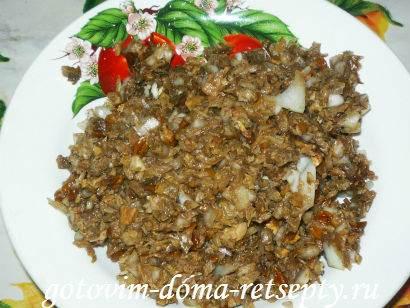 слоеный салат с грибами и картофелем деревенский 8