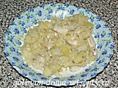 белое рагу из кабачков курицы и картофеля