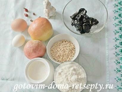 шарлотка с яблоками черносливом и арахисом 1