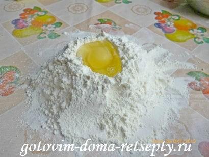 тертый пирог из песочного теста в мультиварке с яблочным пюре 3