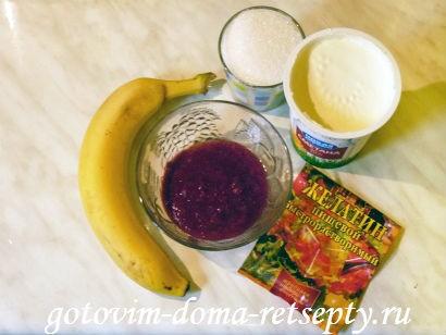 ингредиенты для сметанного крема и банан