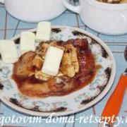 десерт из бананов с шоколадом и зефиром маршмеллоу