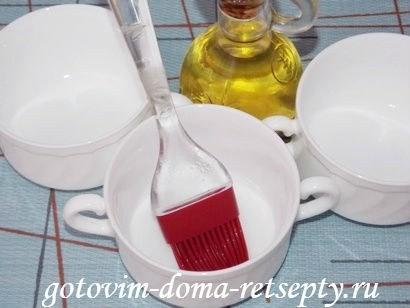 смазанная маслом керамическая посуда