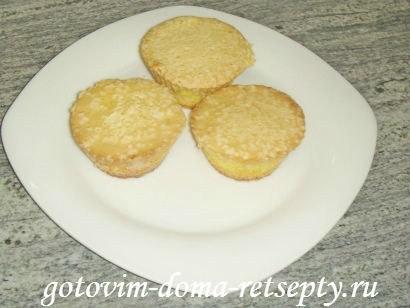 простые кексы, приготовленные в силиконовых формочках