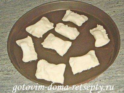 слоеные конвертики с сыром или творогом из готового теста 7