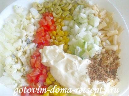 salat-ogurtsyi-s-kukuruzoy-i-krabovyimi-palochkami