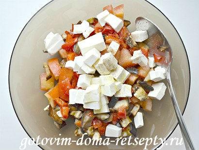 теплый салат с баклажаном и перцами 8