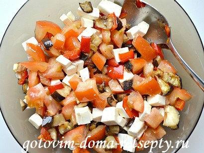 теплый салат с баклажаном и перцами 9