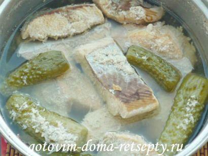 салат из красной рыбы с огурцами 8