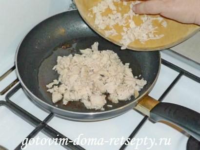 салат цезарь с курицей и сухариками 4