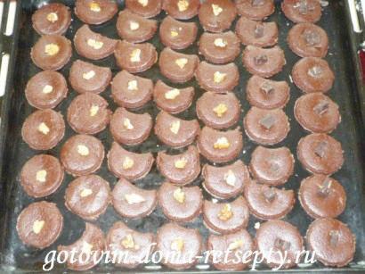 шоколадное песочное печенье с орехами 9