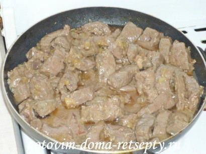 жареная говяжья печень с луком 5