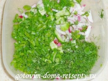 салат из огурцов с яйцом и редиской 4