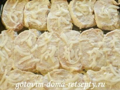 свинина запеченная в духовке с сыром 9