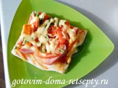 домашняя пицца с ветчиной и помидорами 1