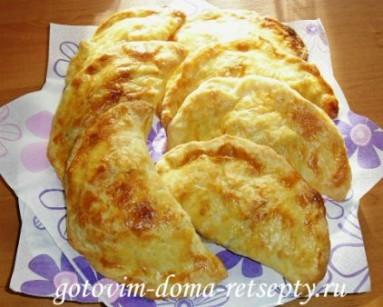 слоеные пирожки с рисом и сыром 1