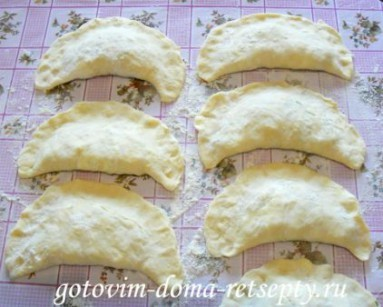 слоеные пирожки с рисом и сыром 9