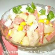рецепты салатов из ананаса и курицы с кукурузой и огурцом