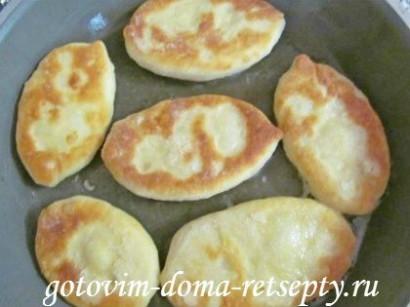 дрожжевые пирожки с картошкой и шкварками 22