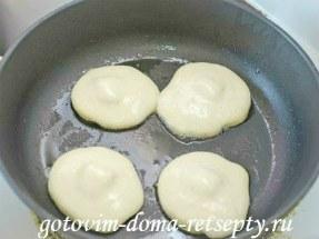 оладьи на кефире с сыром 6