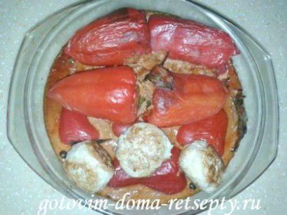 перец фаршированный рисом и куриным фаршем 1