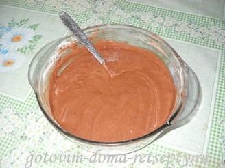 бисквитный шоколадный торт с кремом и банановой начинкой 11