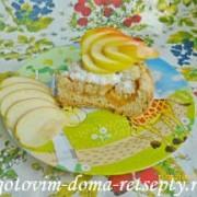 тертый пирог из песочного теста в мультиварке с яблочным пюре