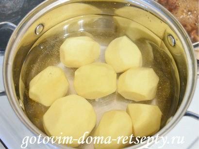 теплый салат с грибами картофелем 3