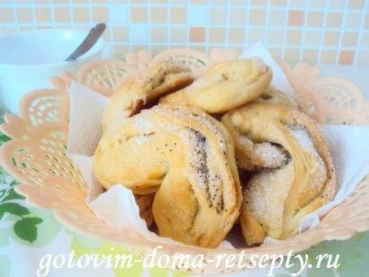 булочки с сахаром и маком