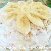 tort-iz-pechenya-s-bananami-i-kivi