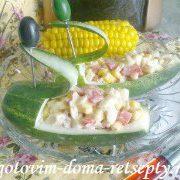 salat-ogurtsy-s-kukuruzoy-i-krabovymi-palochkami
