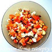 теплый салат с баклажаном и перцами 10