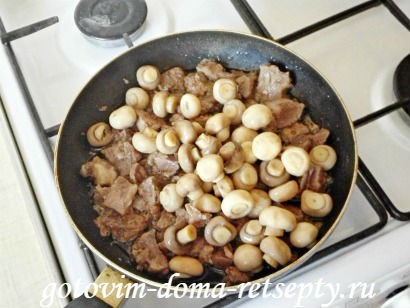 свинина с шампиньонами на сковороде 5